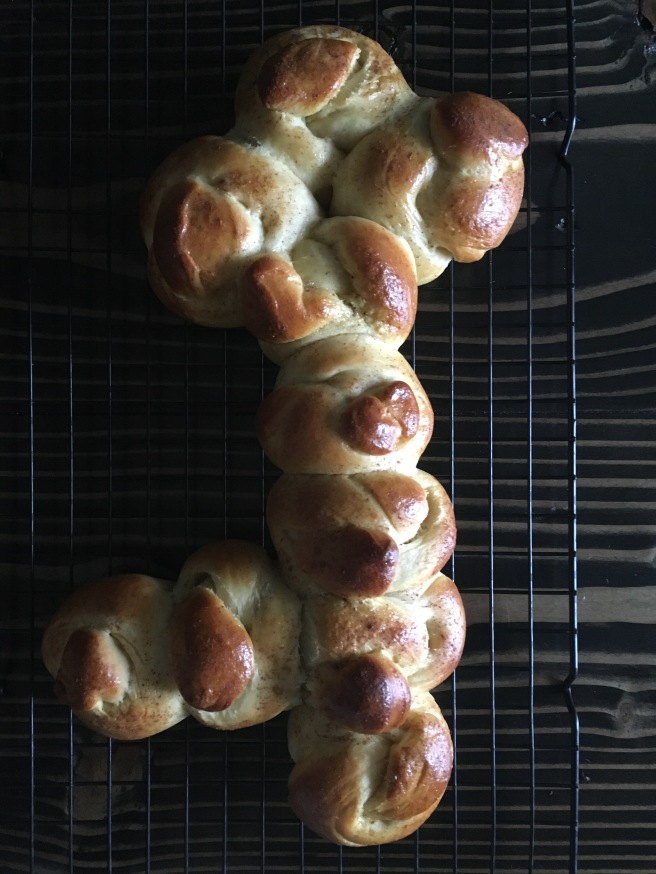 IN TIME FOR SHABBOS: Shlissel Challah (Key Challah)